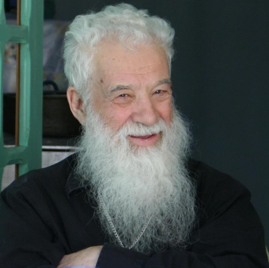 Pr. Gheorghe Calciu Dumitreasa